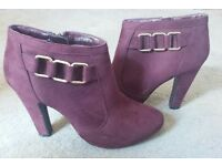Purple/maroon ankle boots