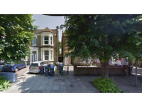 Lovely 3 bed flat on ground floor available in Harlesden, walking distance to Harlesden Station.