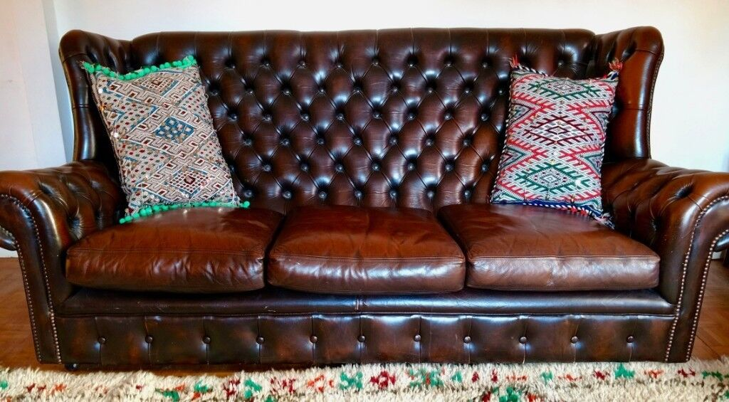 Beautiful Studded Brown Leather Vintage Chesterfield 3 Seater Sofa