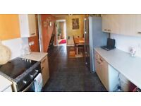 2 bed house with loft, garden Hayes for 3 bed