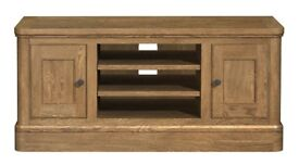 Copeland Oak TV Media Cabinet. 120cm wide. (Carlton Furniture)