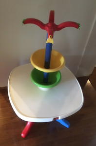 INGENIOUS ARTS & CRAFTS TABLE KEEPS YOUR KIDS BUSY FOR HOURS!!