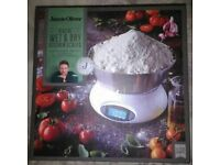 Jamie Oliver -Digital Wet & Dry Kitchen Scale