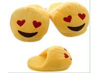 Heart eyes open back emoji slippers