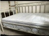 Girls metal daybed