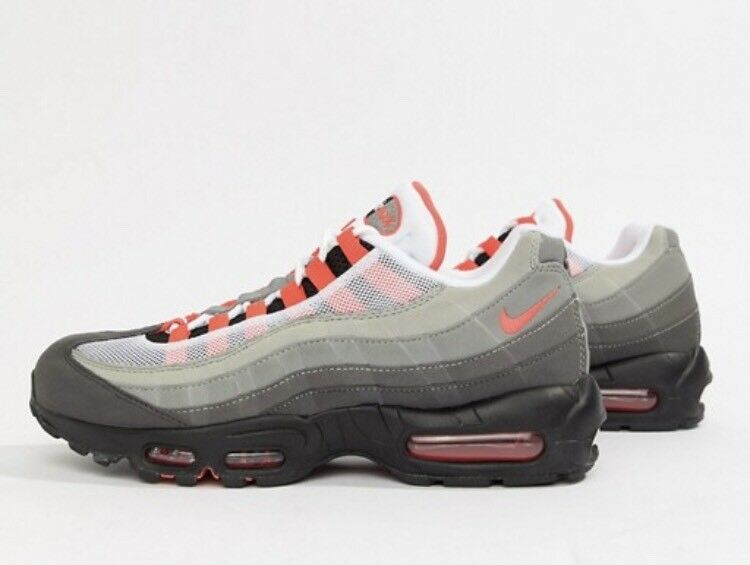 big sale ec363 c4763 Nike Air Max 95 OG Trainers In Black size 8.5