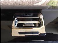Aves Sapphire iPod docking station