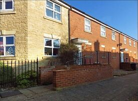 2 Bed coach house in Abbey Meads £695