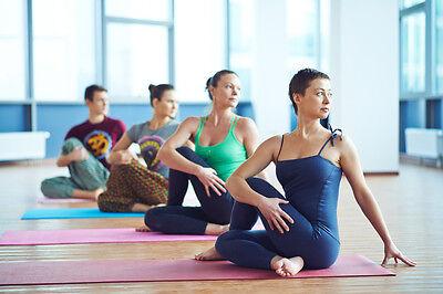 Yoga macht man barfuß oder in Socken.