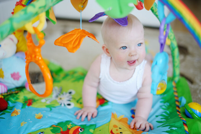 Sterntaler Spielbogen: So entdeckt Ihr Baby die Welt