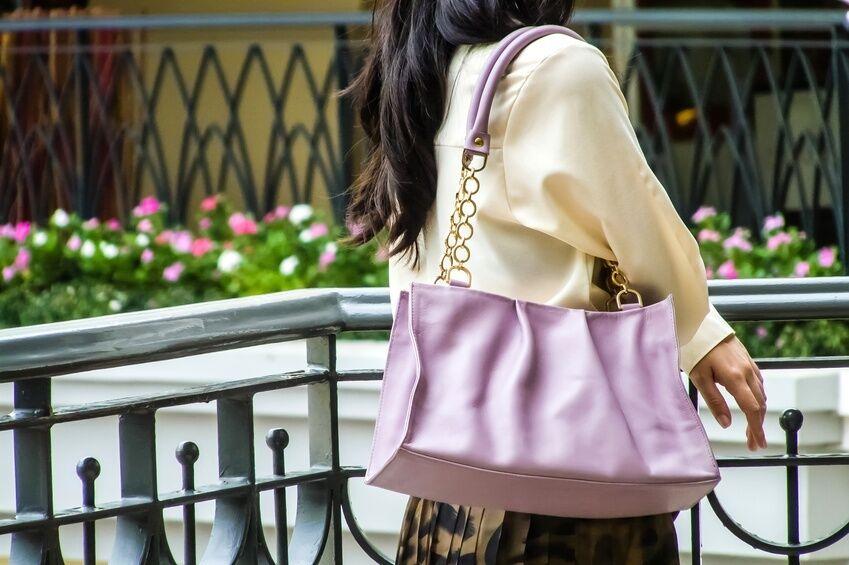 How to Dress Up a Shoulder Bag