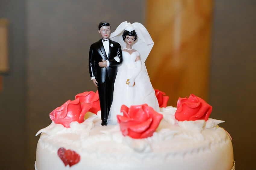Your Guide to Choosing Wedding Cake Toppers