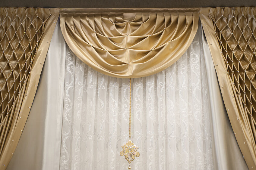 How to Fit a Net Curtain