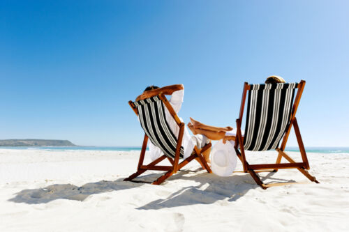 How to Buy a Vintage Deck Chair