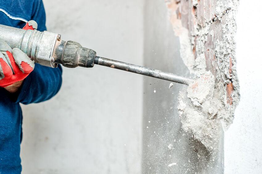 $_32 Bosch vs Makita: Which Demolition Hammer Is Best?