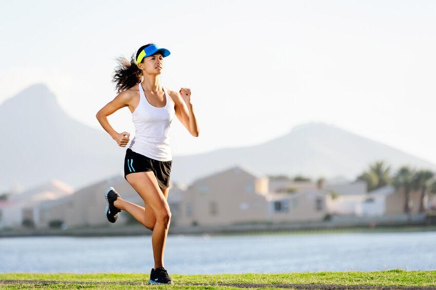 Perfekte Kombination für Jogger: Stirnbänder mit Sonnenblende