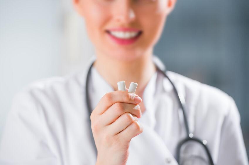 Kann ein Zahnpflege-Kaugummi bei der Kariesprophylaxe helfen?