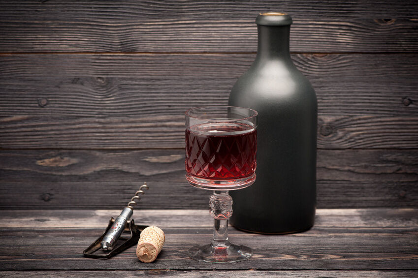 Antique Wine Glasses Buying Guide