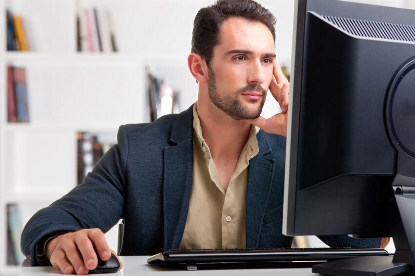 Notebook-Defekt: Mit einem externen Monitor tricksen Sie das defekte Display aus