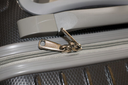 How to Repair a Luggage Zipper