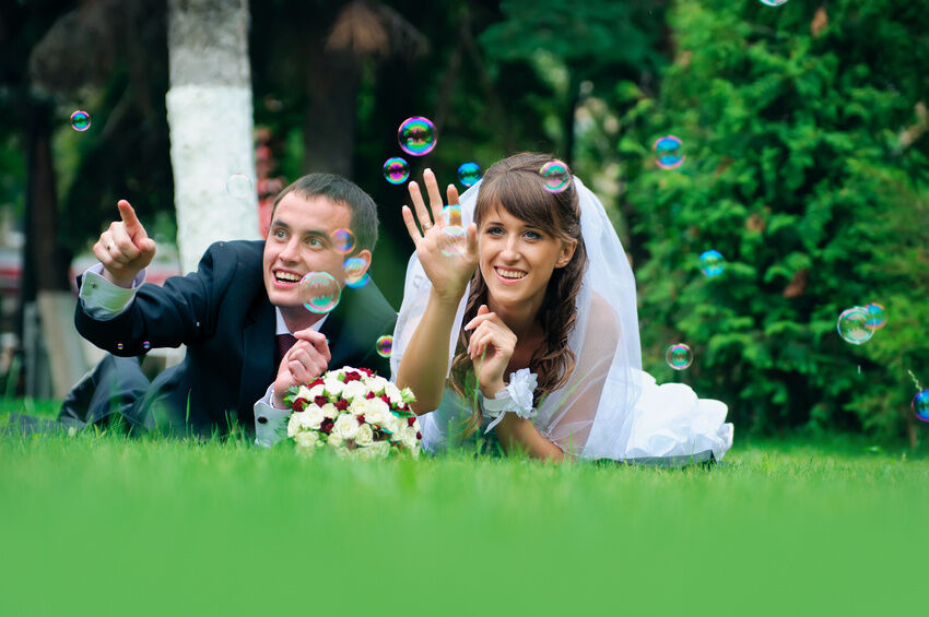 Top Reasons to Choose Bubbles as Wedding Favours
