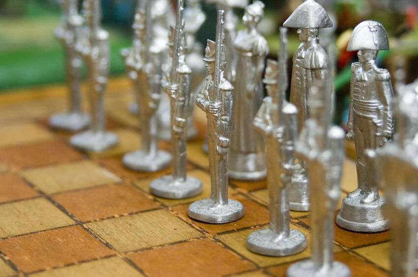 Your Guide to Buying Metal Chess Set Pieces