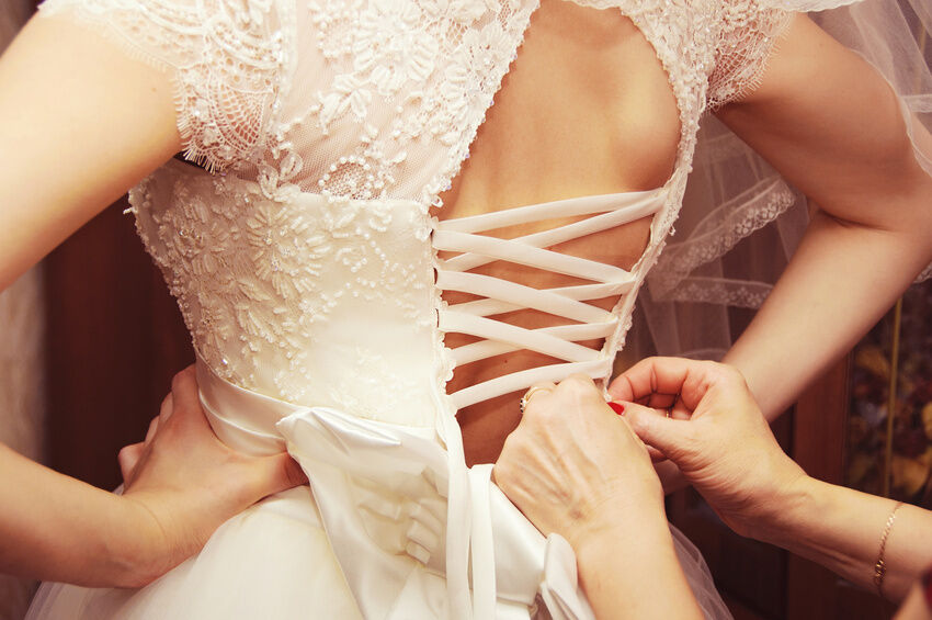 How to Choose a Lace Up Corset