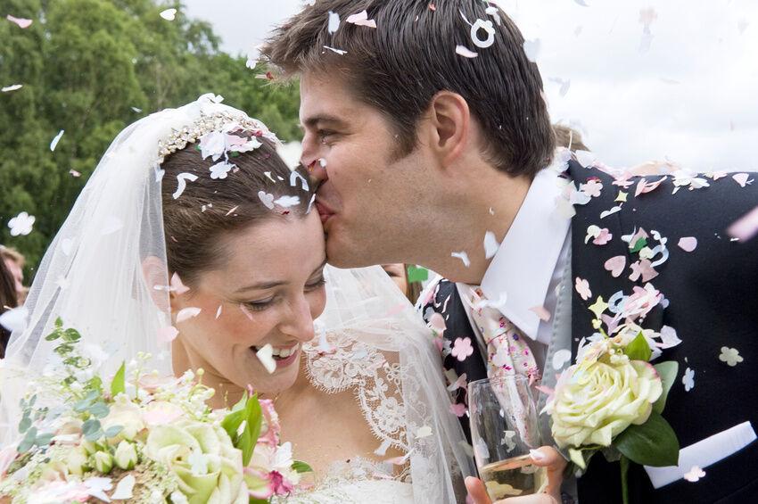 Konfetti, Reis, Seifenblasen: Ideen für die Hochzeit