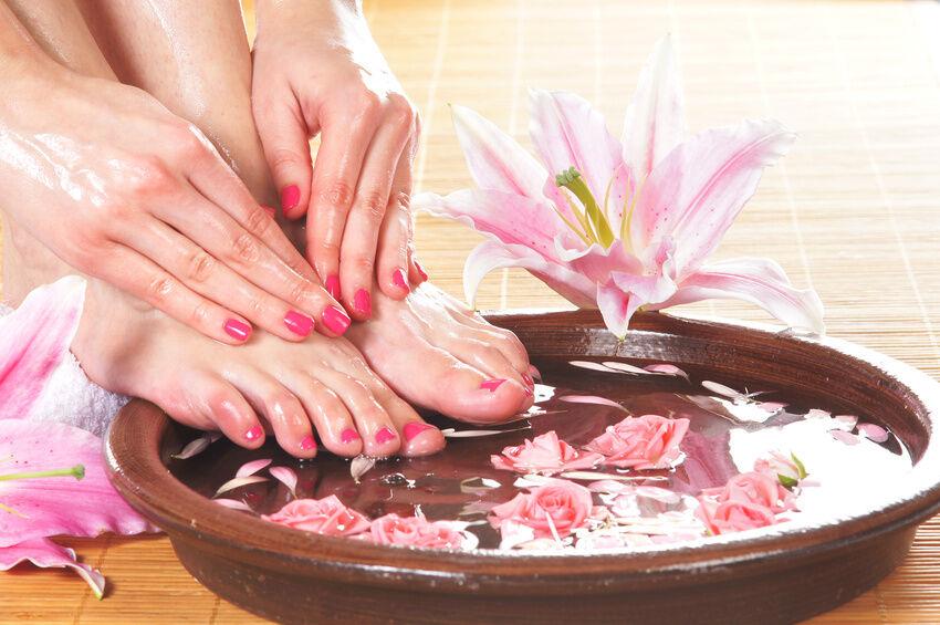 Zeigt her Eure Füße: Fußpflege für Pantoletten-Trägerinnen