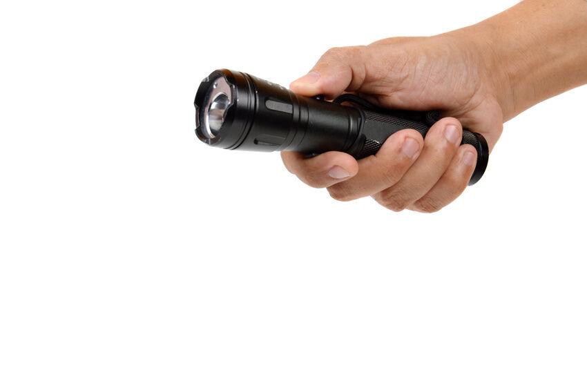 5 Reasons to Use an LED Flashlight