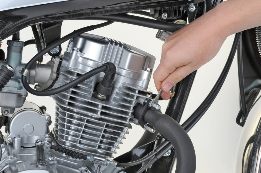 So finden Sie die richtigen Ersatzteile für die Honda CB 900 F aka Bol d'Or