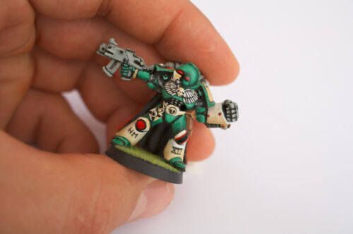 Your Guide to Collecting Warhammer 40K Figurines