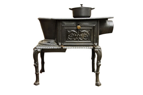 Your Guide to Buying an Antique Stove