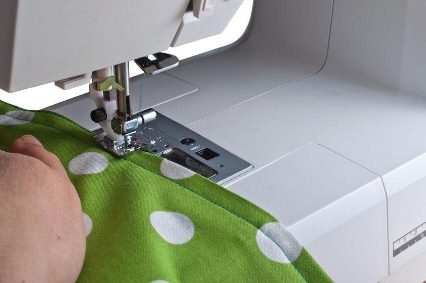 Vom Knopfloch bis zum Kleid: Mit Carina Nähmaschinen wird die Nähstunde zum Erfolg