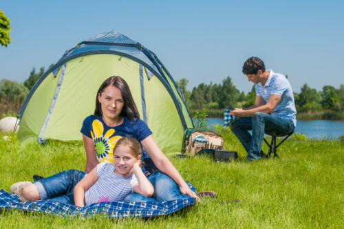 How to Buy Camping Accessories for Warm Weather
