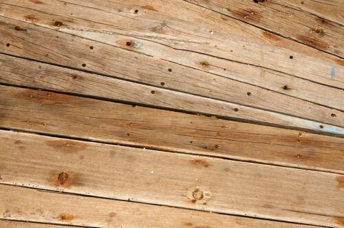 How to Repair Nail Holes in Walls