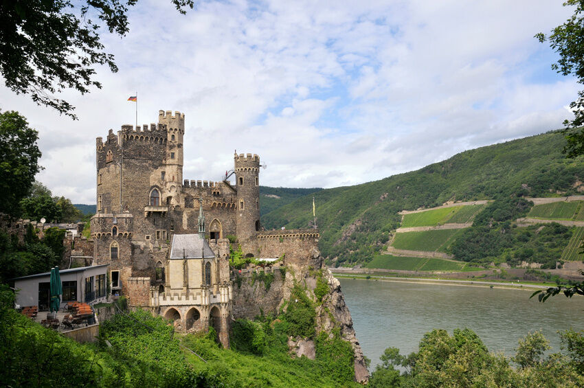 How to Find a Castle Holiday on eBay