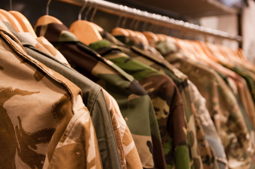 Your Guide to Buying a Para Smock