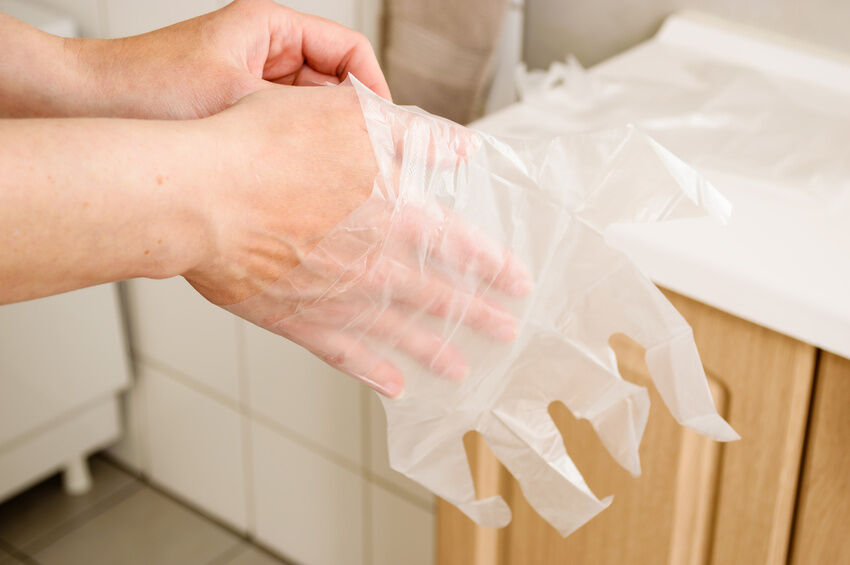 Top 3 Things to Consider When Buying Disposable Gloves