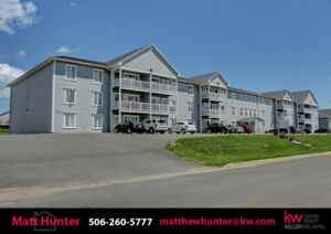 Lovely 2 Bedroom, 1 Bath Condo With Southern Exposure!