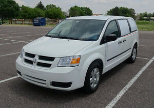 DODGE GRAND CARAVAN 2010 CAMPER VAN POUR SEPTEMBRE ALL INCLUSIVE