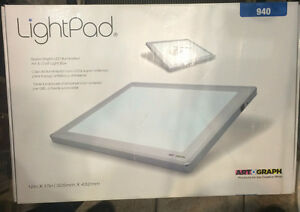 Artograph LightPad 920 Lightbox with 6-Inch by 9-Inch