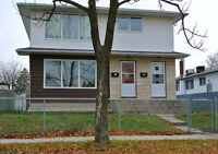 LARGE 3 BEDROOM MAIN FLOOR DUPLEX AVAILABLE AUGUST 1, 2015