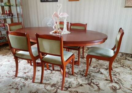 antique dining table and chairs vgc mundingburra townsville city