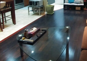 Triangular glass coffee table with 2 matching side tables