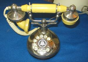 Many Different Vintage Telephones West Island Greater Montréal image 7