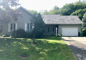 Maison a vendre/House for sale Saint Joseph du lac