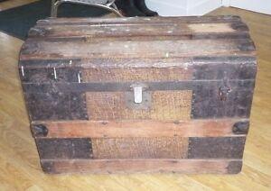 coffre ou malle antique