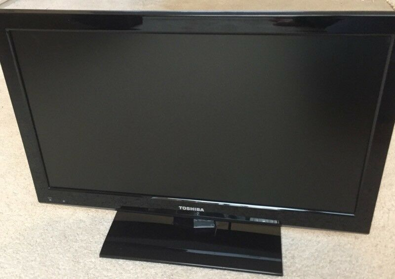 "TV Toshiba 19"" LCD with Built In DVD"