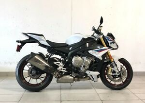 2018 BMW S1000R- White/Blue/Red- $18,940 + HST